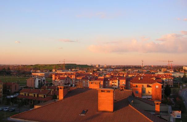 tetti al tramonto da camera mia